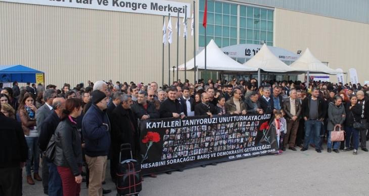 10 Ekim'de Ankara'da katledilenler Adana'da kitap fuarında anıldı