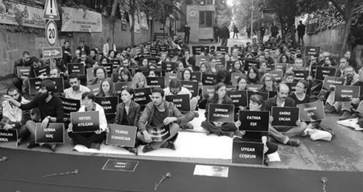 Öğrencilerden imza kampanyası: Barış İsteyen Akademisyenlerin Yanındayız