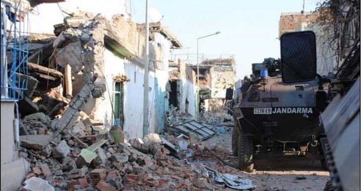 Sur'da kesintisiz tank bombardımanı