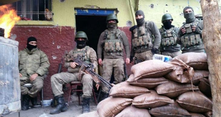 Sur'a askeri sevkiyat yapılıyor