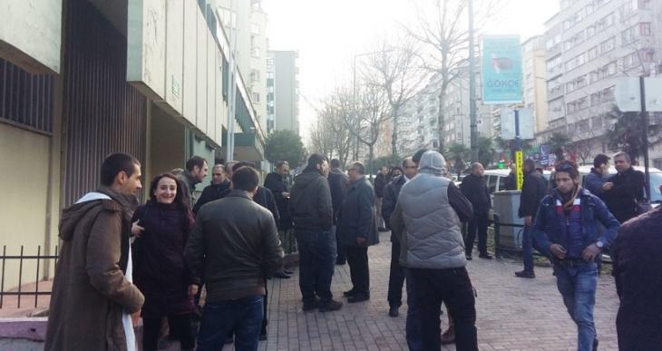 Bursa'da akademisyenlere desteğe gelenlere polis saldırısı