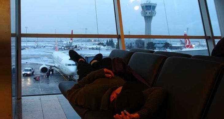 İstanbul'da iç ve dış hatlarda 233 uçak seferi iptal edildi