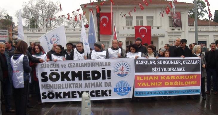 Emekçiler Antalya Belediyesi önünden seslendi: İlhan Karakurt yalnız değildir