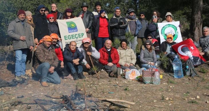 Urla Ovacık köylüleri yaşam nöbetinde: Ormanlar olmazsa Orman Bakanı odun bakanı olur!