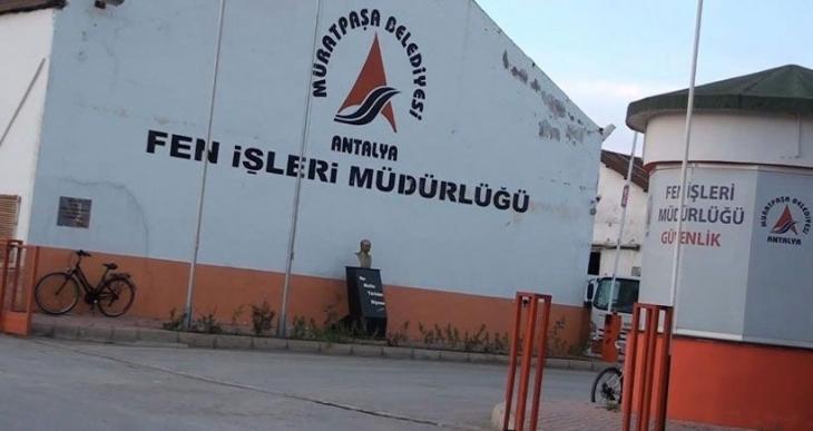 Muratpaşa Belediyesi işçi atmaya başladı