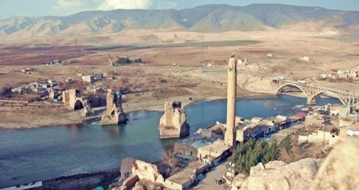 10 bin yıllık Hasankeyf sürgün ediliyor: Korumak yerine  neden taşıyorsunuz?