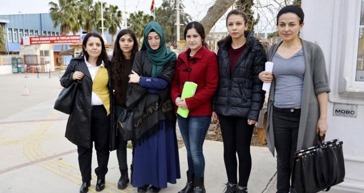 Çatal- kaşıklı eylemi yapan öğrenciler yurttan atıldı
