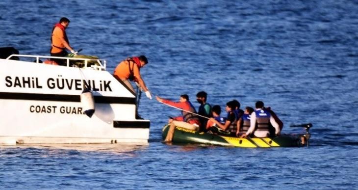 Dikili ve Altınoluk'ta 2 mülteci mülteci teknesi battı: 23 mülteci hayatını kaybetti