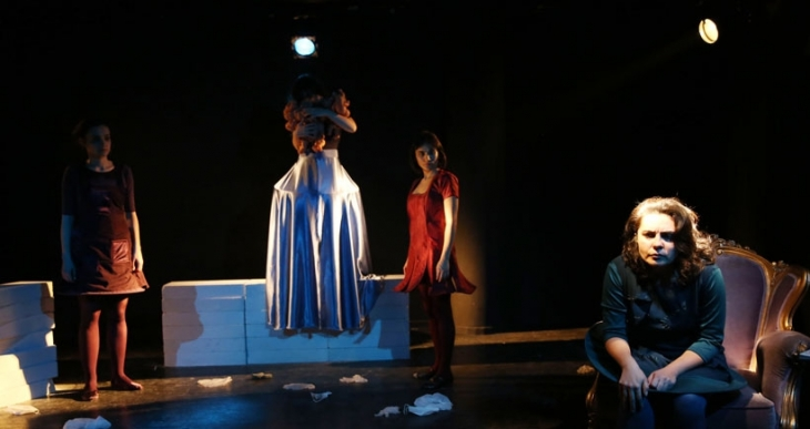 Tiyatro Grotto'dan kadın hikayeleri