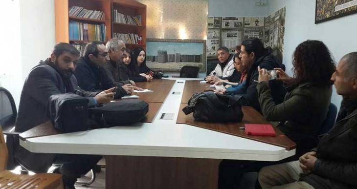 Haber Nöbeti'ni ikinci ekipte yer alan gazeteciler devraldı