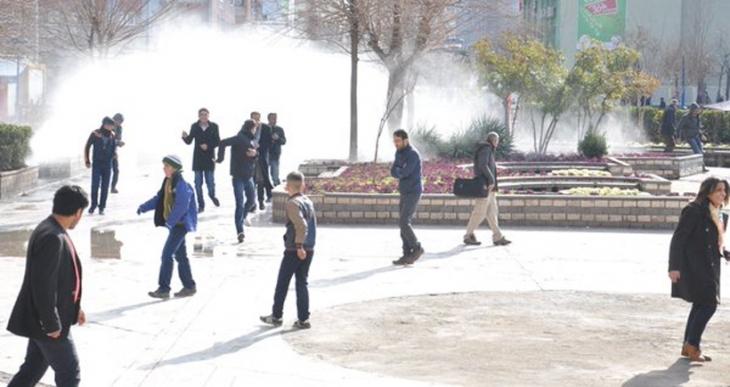 Diyarbakır'daki Cizre eylemine saldıran polis bir çocuğu öldürdü