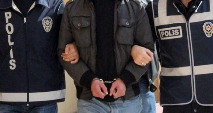 Çukurca'da HDP ve DBP ilçe eş başkanları gözaltına alındı