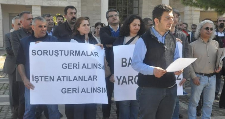 Mersin Üniversitesi'nde imzacı 21 akademisyen rektörlüğe savunma verdi