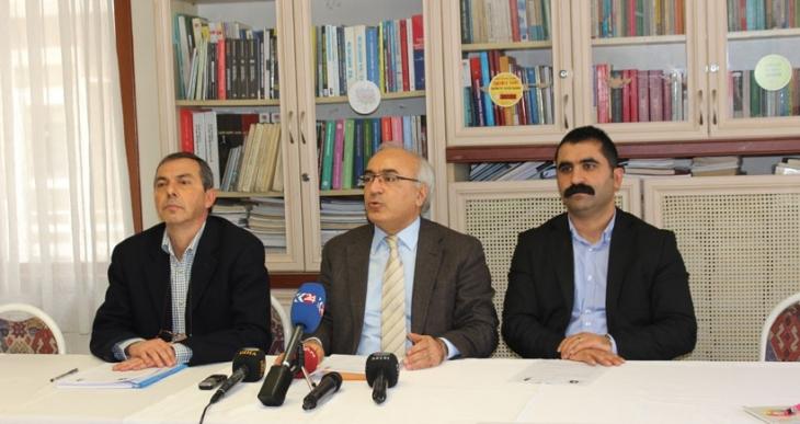 İHD ve TİHV: Türkiye'de ve Suriye'de savaşa hayır, Savaşa karşıyız, Barış istiyoruz