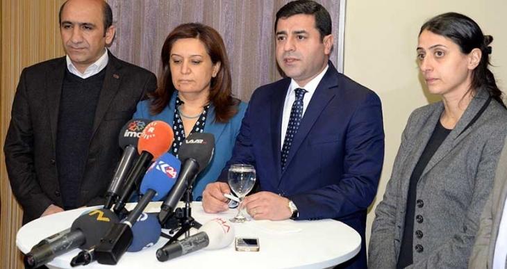 Demirtaş: Meclis Başkanı hatalı davrandı, 3 parti ile uzlaşma komisyonu olmaz