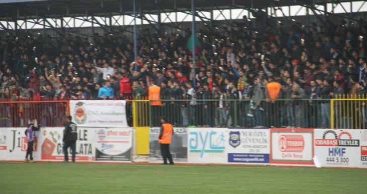 Direniş sloganlarının atıldığı Amedspor - Eyüpspor maçı berabere bitti