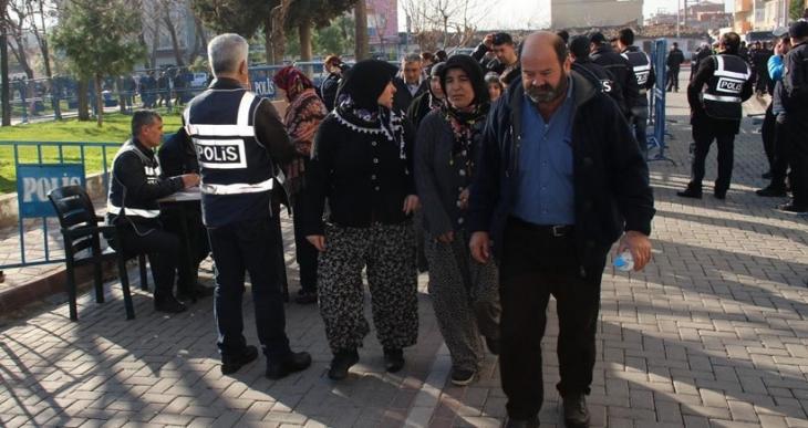 Soma davasına madenci annesi: Oğlumun ismi var 141 değil