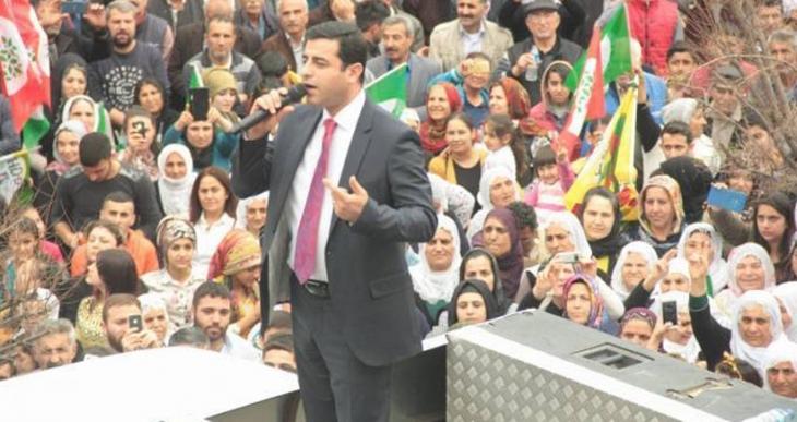 Mersin barış mitinginde konuşan Demirtaş: Haklı mücadelemiz sürüyor
