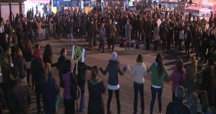 Kadıköy'de tulumlu horonlu Cerattepe eylemi yapıldı