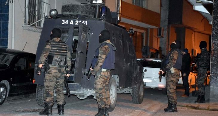 İstanbul'da Okmeydanı ve Zeytinburnu'da ev baskınları ve gözaltı