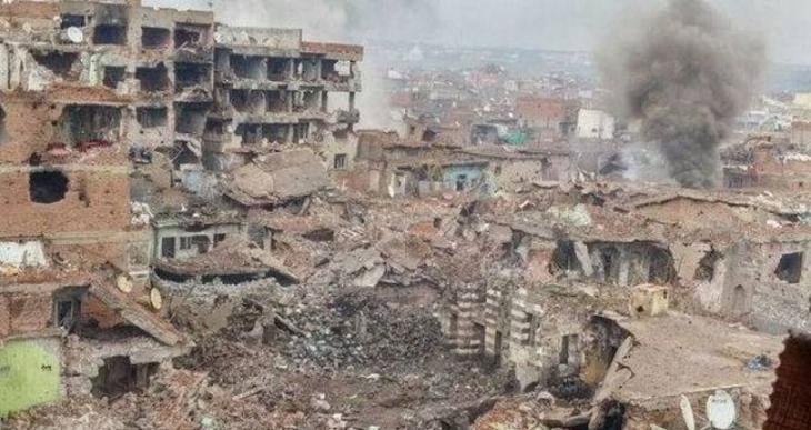 Sur'da 3'ü yaralı 7 kişi öldürüldü