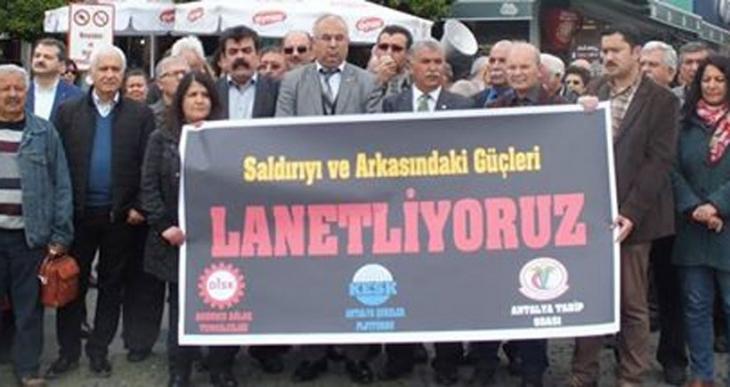 Antalya'da Ankara saldırısı protesto edildi