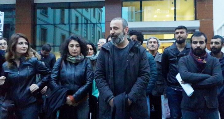 İzmir'de yürümek isteyen avukatlara keyfi engelleme