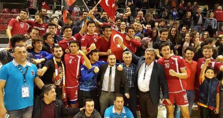 Akdeniz Yükseliş Koleji Hentbol Takımı Dünya Şampiyonu oldu