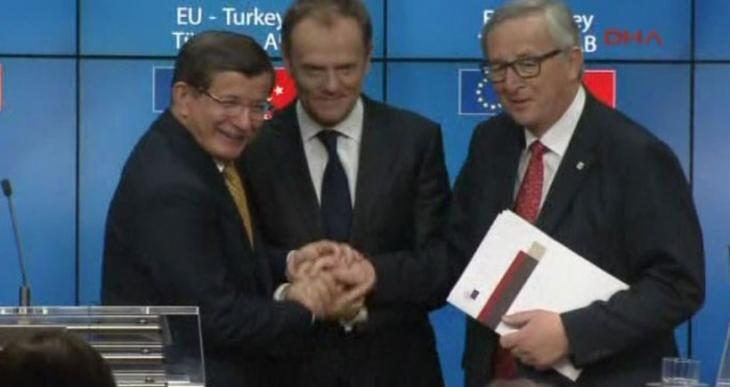 AB ile Türkiye anlaşmaya vardı, mülteciler Türkiye'ye iade edilecek