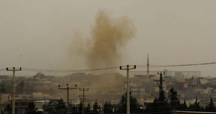 Şiddetli çatışmaların yaşandığı Nusaybin'de art arda patlama sesleri