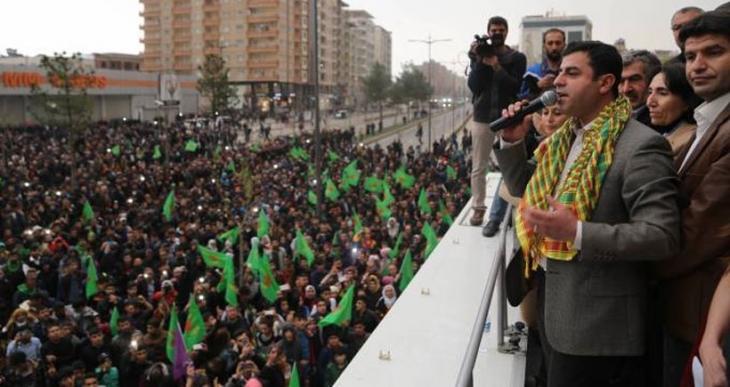 Batman'da konuşan Demirtaş herkesi Diyarbakır Newrozu'na çağırdı
