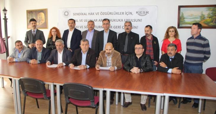 Antep'te 326 üyesine soruşturma açılan Eğitim-Sen'e destek ziyareti
