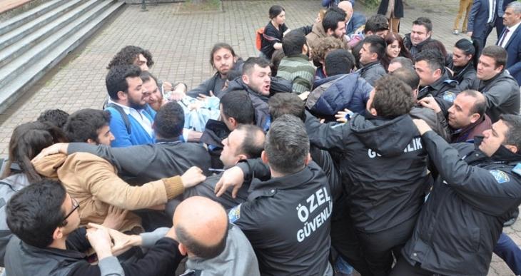 KTÜ'de Ensar Vakfı protestosuna polis saldırdı: 22 öğrenci gözaltına alındı
