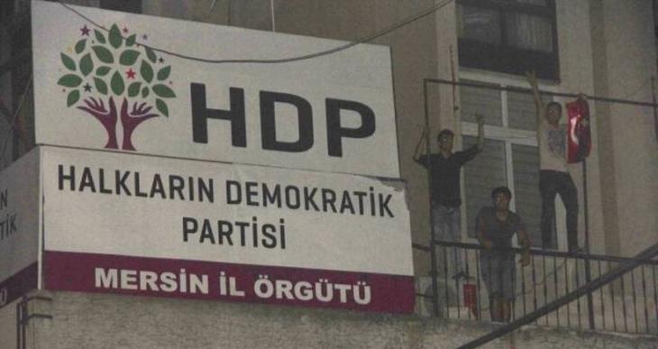Mersin'de HDP'ye saldıran MHP'lilere beraat