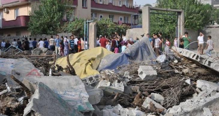 Pamukkale Üniversitesi öğrencileri: Savaşta ölen zengin birini gördünüz mü?