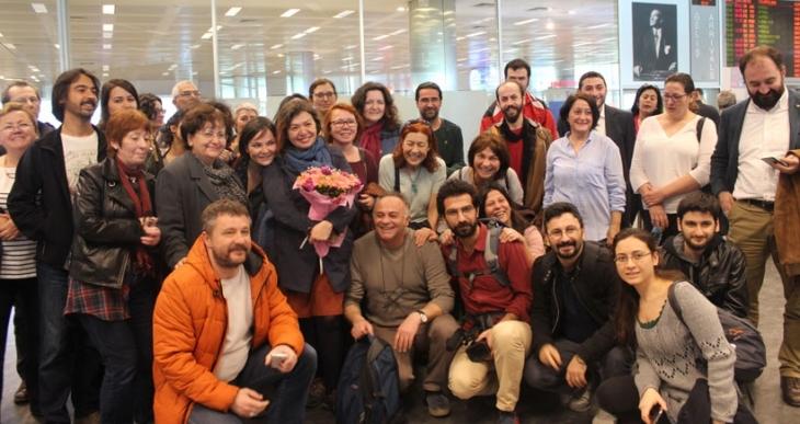 Akademisyen Meral Camcı Türkiye'ye döndü: Biz korkmuyoruz, bile bile Türkiye'ye döndüm