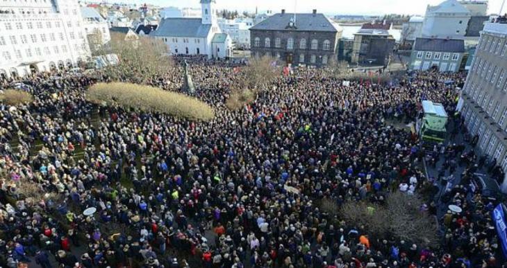 İzlanda halkından başbakana istifa çağrısı