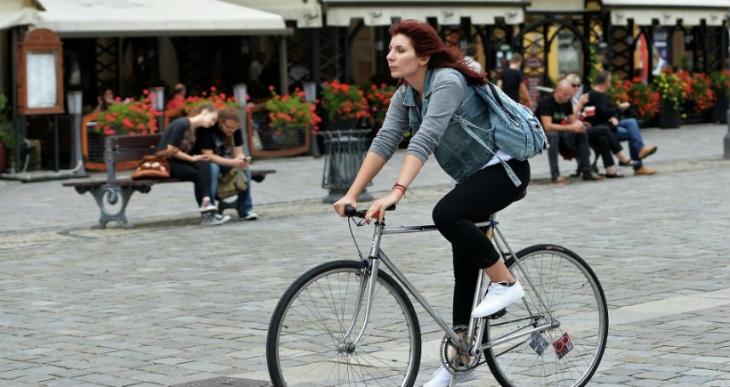 Oslo Kent Meclisi, bisiklet alsınlar diye zenginlere para dağıttı