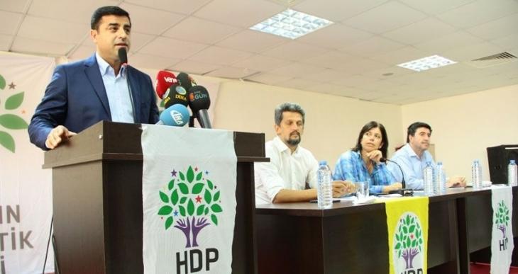 Böyle bir referandum HDP'ye siyasi operasyon demektir