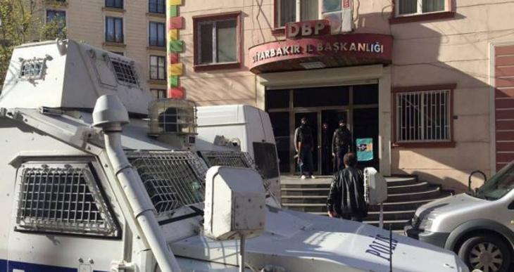 DBP Diyarbakır il binasındaki arama 11 saat sürdü