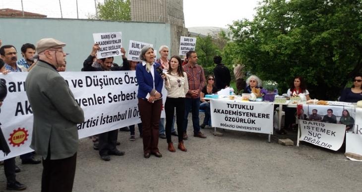 Tutuklu akademisyenler için 'Özgürlük Nöbeti'ne Emek Partisinden destek
