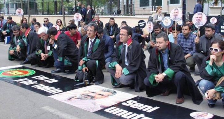 Diyarbakır Barosu Tahir Elçi için eylem yaptı