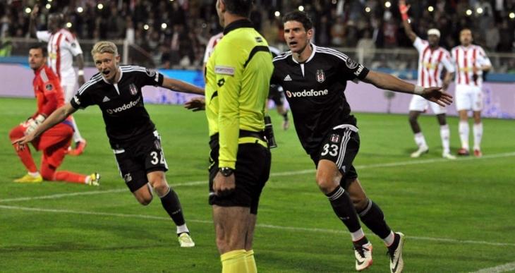 Beşiktaş en zor deplasmandan 3 puanla dönüyor