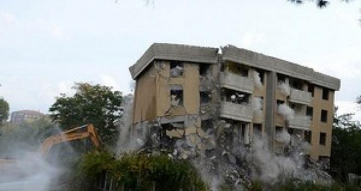 Meclis lojmanları 142 bin TL'ye mantolandı, 42 bine yıkıldı