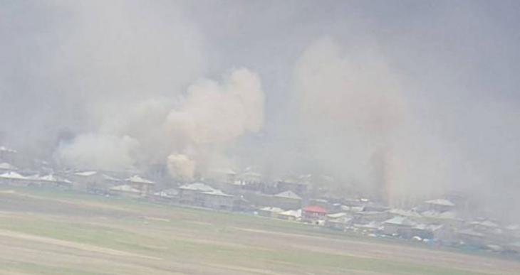Yüksekova'da onlarca ev topa tutulup ateşe verildi