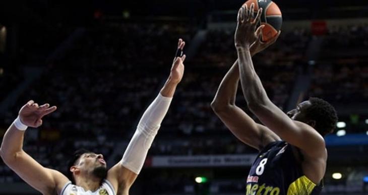 Fenerbahçe Real Madrid'i 75-63 yenerek Final Four'a kaldı