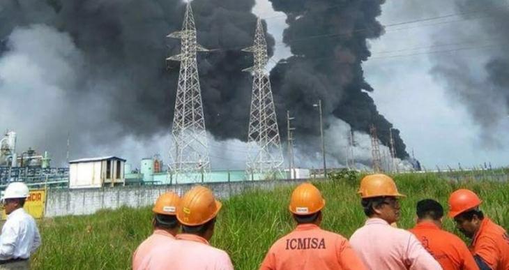 Meksika'da petrol tesisinde patlama: En az 3 ölü, 136 yaralı