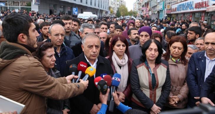 Polis, DBP İl Eş Başkanına, 'Partiye üye misiniz' diye sordu