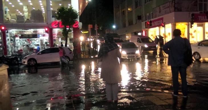 İstanbul'da şiddetli yağmur etkili oldu