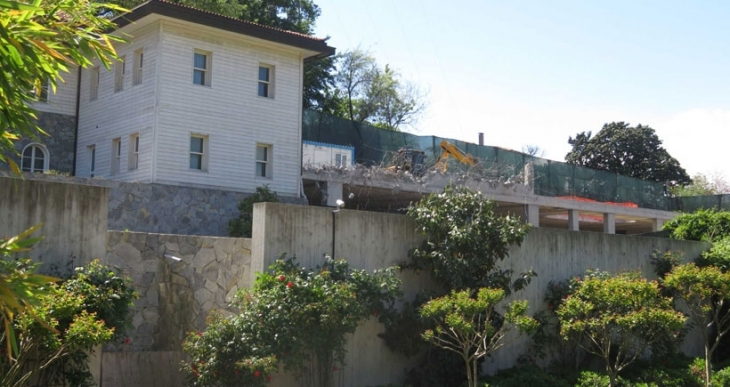 Reza Zarrab'ın villasının kaçak kısımları yıkılıyor